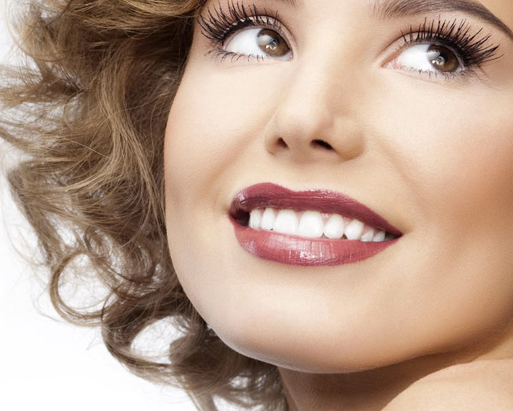 Dental Veneers: Conservative treatment for unaesthetic teeth