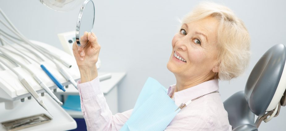 senior_at_dentist